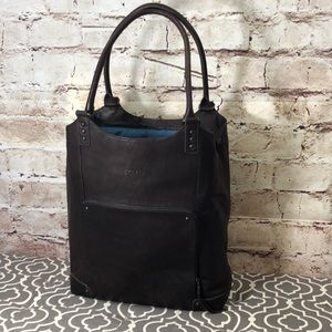 Solo Vintage Collection Leather Laptop Bucket Bag